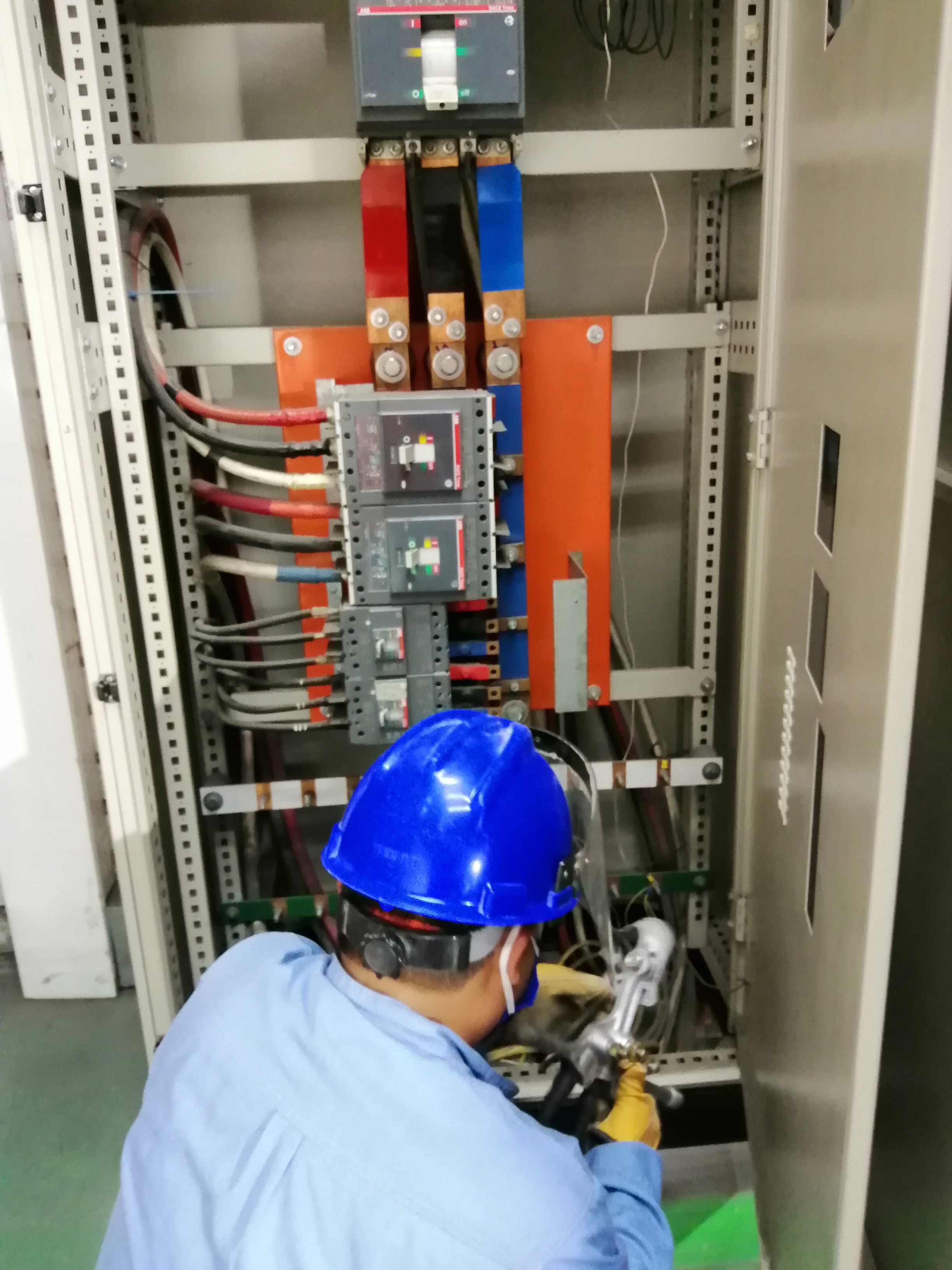 mantenimiento preventivo correctivo de tableros electricos AE ENERGY